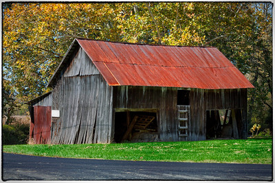Old barn on Schenck Creek Road in Knox County, Ohio.